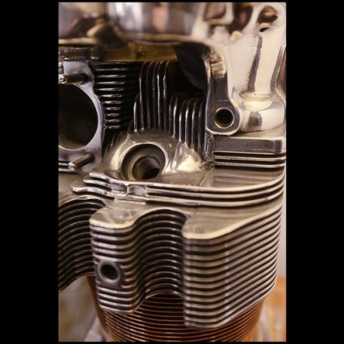 Table avec structure en bois de noyer massif sur base en fer finition huilée 154-Full Wood