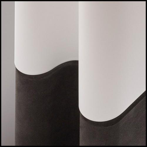 Lampe avec structure finition laiton polie et avec base en granite noir avec abats-jours en coloris noir 24-Aras