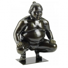 Sculpture resin on metal base 70-SUMO