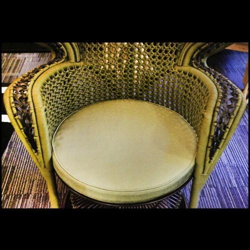 Applique avec structure en fer et aluminium finition nickel et abat-jour en verre blanc 24-VAN CLEEFF