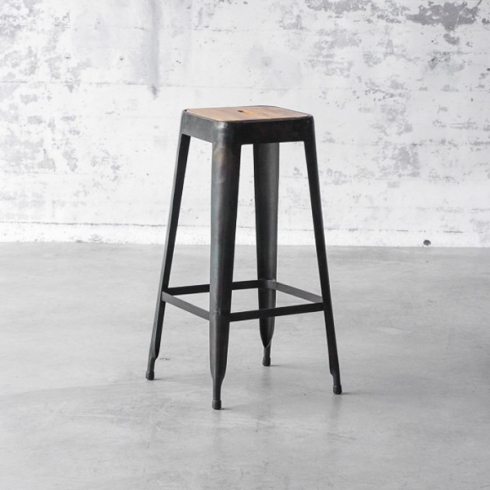 tabouret de bar en acier avec assise marron en bois 09 industry bois pacific compagnie. Black Bedroom Furniture Sets. Home Design Ideas